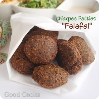 "Chickpea Patties ""Falafel""(The Daring Cooks' February Challenge: Flipping Fried Patties!!!)"