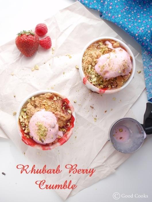 Rhubarb Berry Crumble